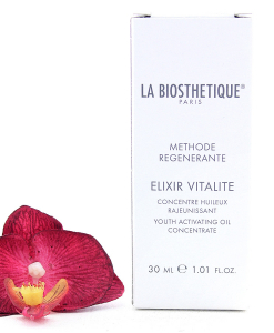 005747-247x300 La Biosthetique Methode Regenerante Elixir Vitalite - Youth Activating Oil Concentrate 30ml